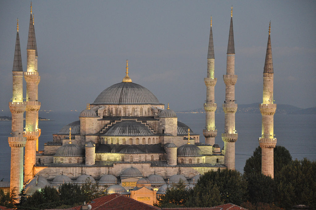 1024px-Sultan_Ahmed_Mosque-Blue_Mosque-at_dusk