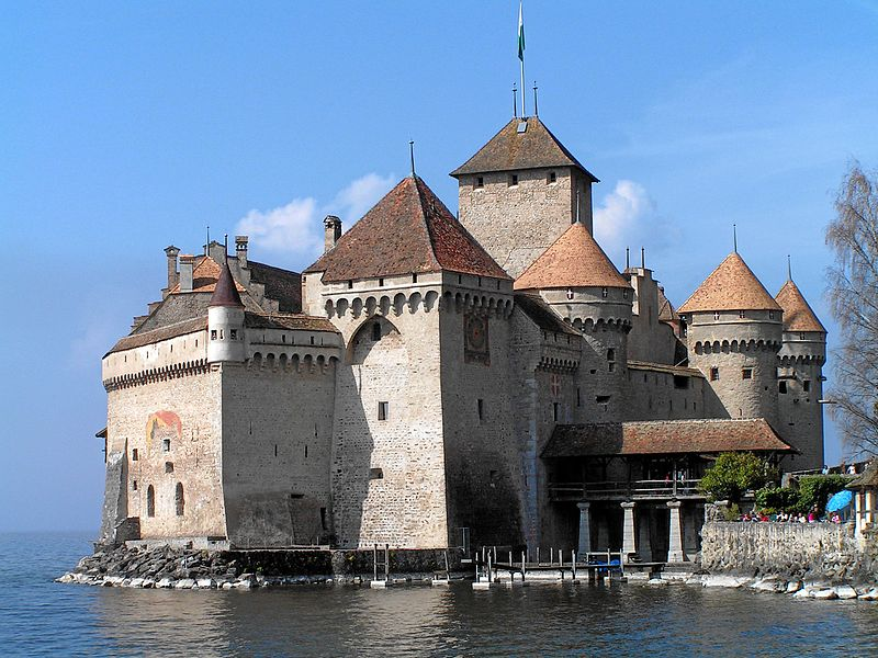 800px-Schweiz_Schloss_Chillon_Gesamtansicht