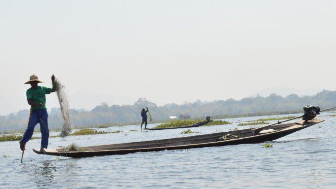 Pescador en el Lago Inle de Myanmar